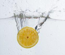 Eierlikör Cocktail mit Zitronenlimonade