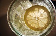 Eierlikör mit Bitter Lemon Longdrink