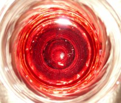 Eierlikör mit Rotwein und Rum