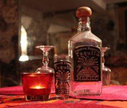 Tequila Eierlikör Cocktail mit Maracujasaft und Grapefruit